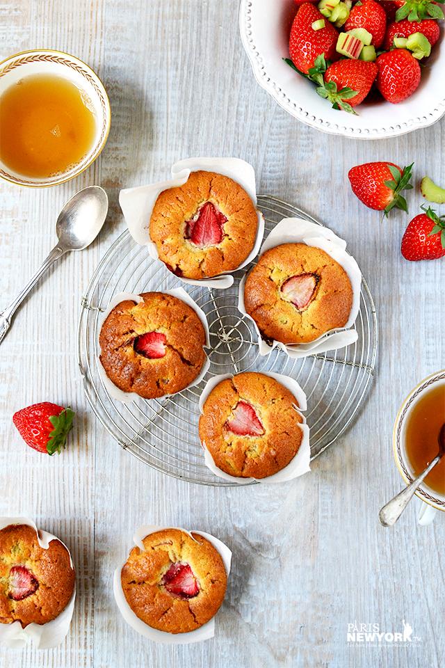 Muffins fraise – rhubarbe – Recette Paris-NewYork.tv © photo Aurélie Garreau