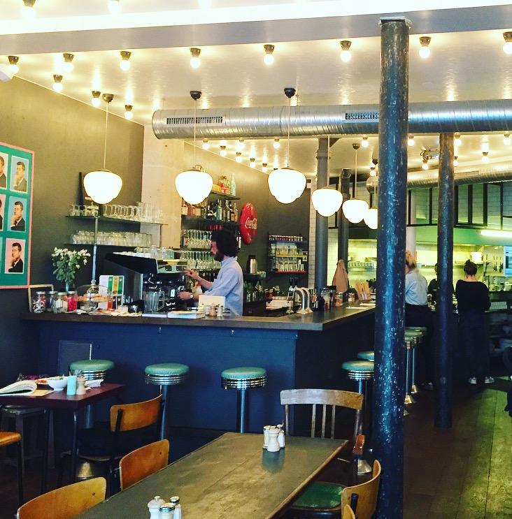 Photo du bar du Hoffe Club restaurant américain à Paris