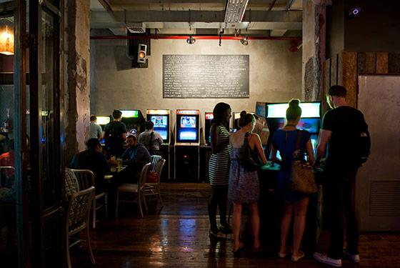 salle de jeux vidéos arcade à new york