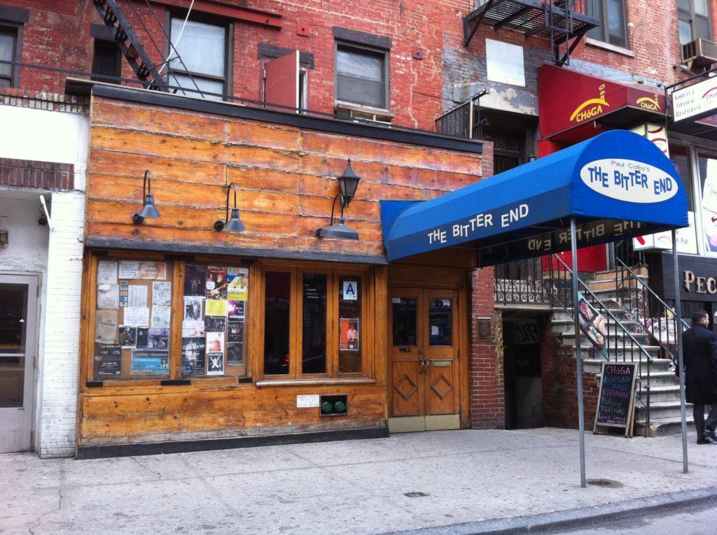 Le célèbre bar new yorkais The Bitter End, où est né le stand-up dans les années 1950