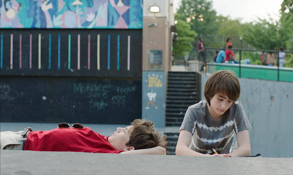 scène avec les enfants dans le film brooklyn village paris new york
